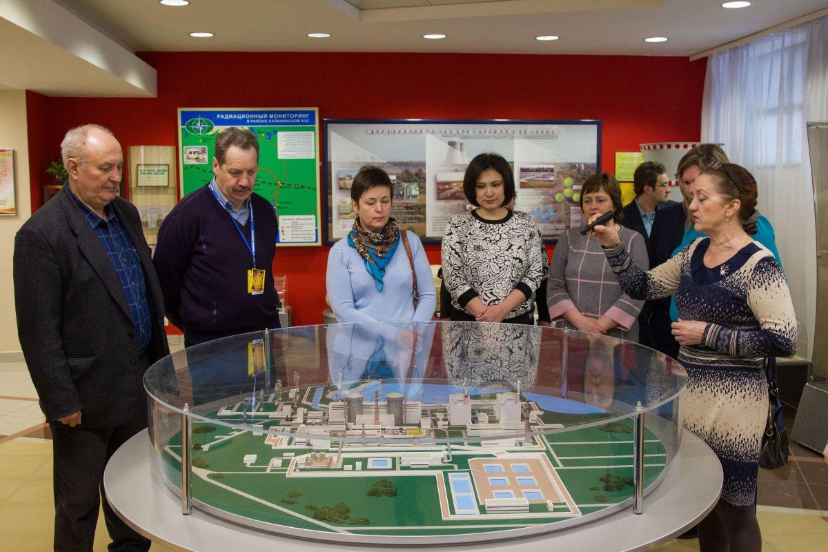 Для депутатов провели экскурсию по КАЭС