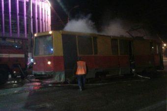 В Твери загорелся трамвай