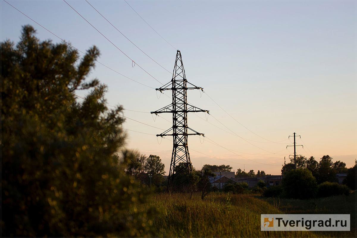 ВТверской области энергетики продолжают аварийно-восстановительные работы