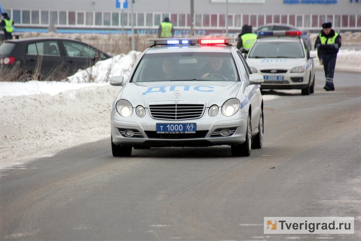 ВБежецком районе влобовом столкновении 2-х  авто  пострадали люди