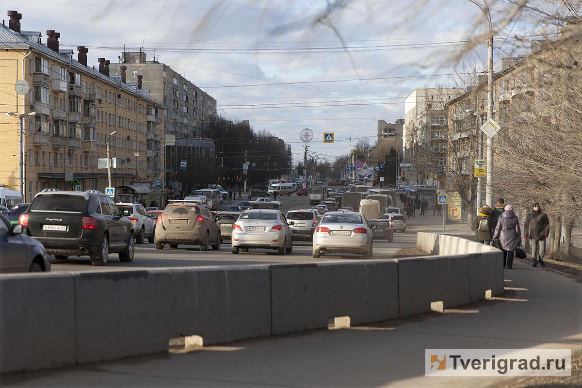 Обеспеченность нижегородцев автомобилями составляет 283 натысячу граждан