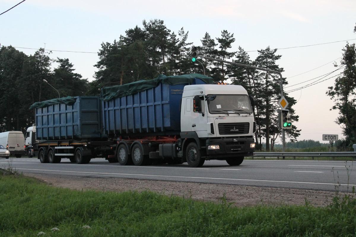 Несмотря на запрет губернатора, в Тверскую область из Москвы продолжают ввозить мусор