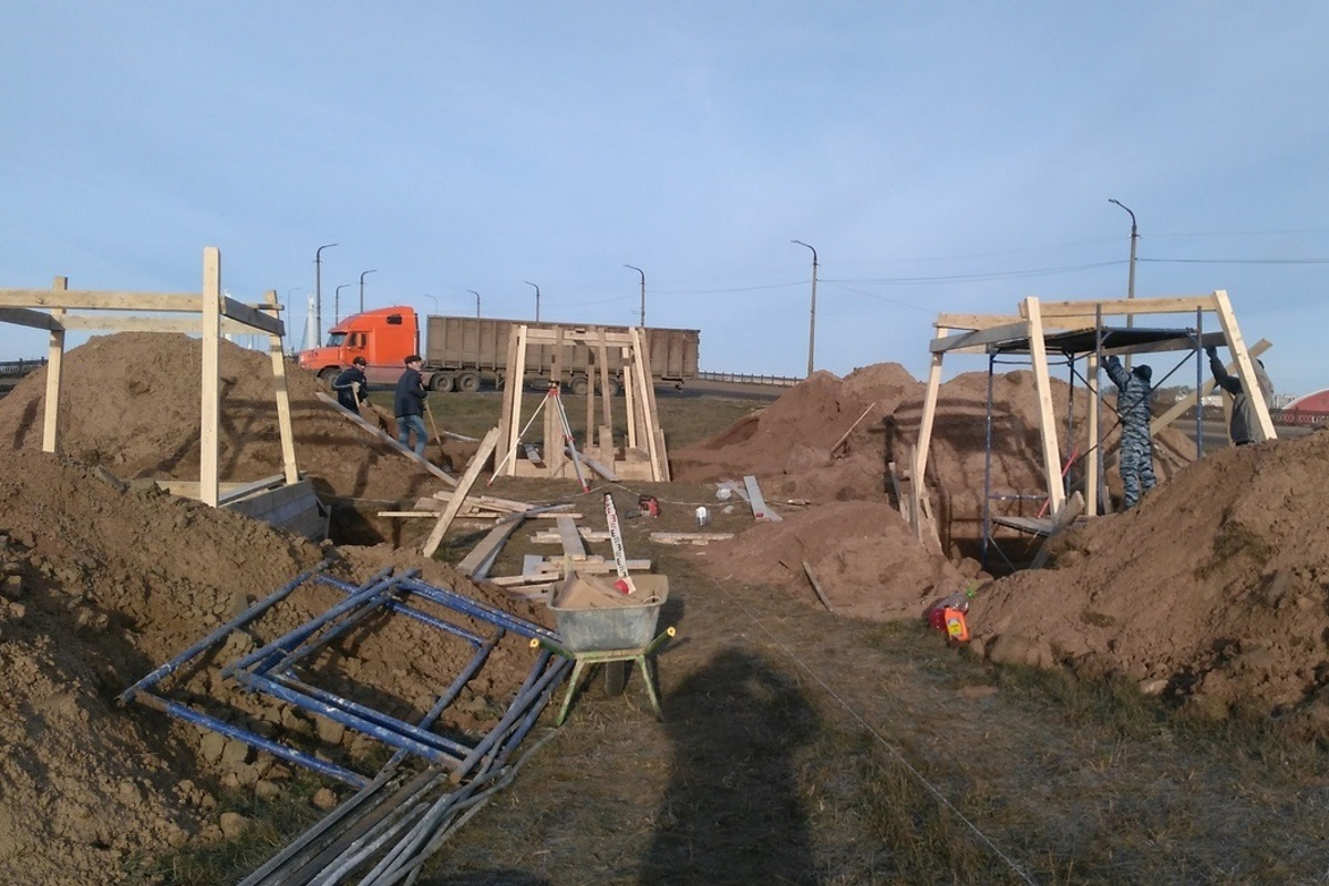 В Кимрах близятся к завершению работы по установке на новое место памятника Ту-124