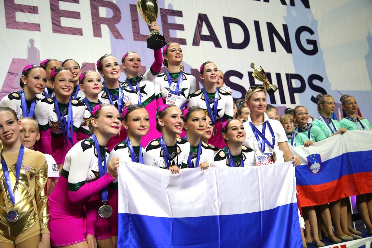 Тверские «Звезды» установили рекорд на чемпионате Европы по чир спорту