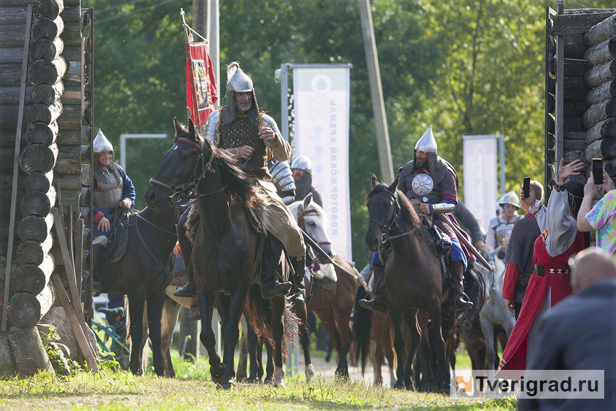 реконструкция конного похода Александра Невского в Торжке (11)