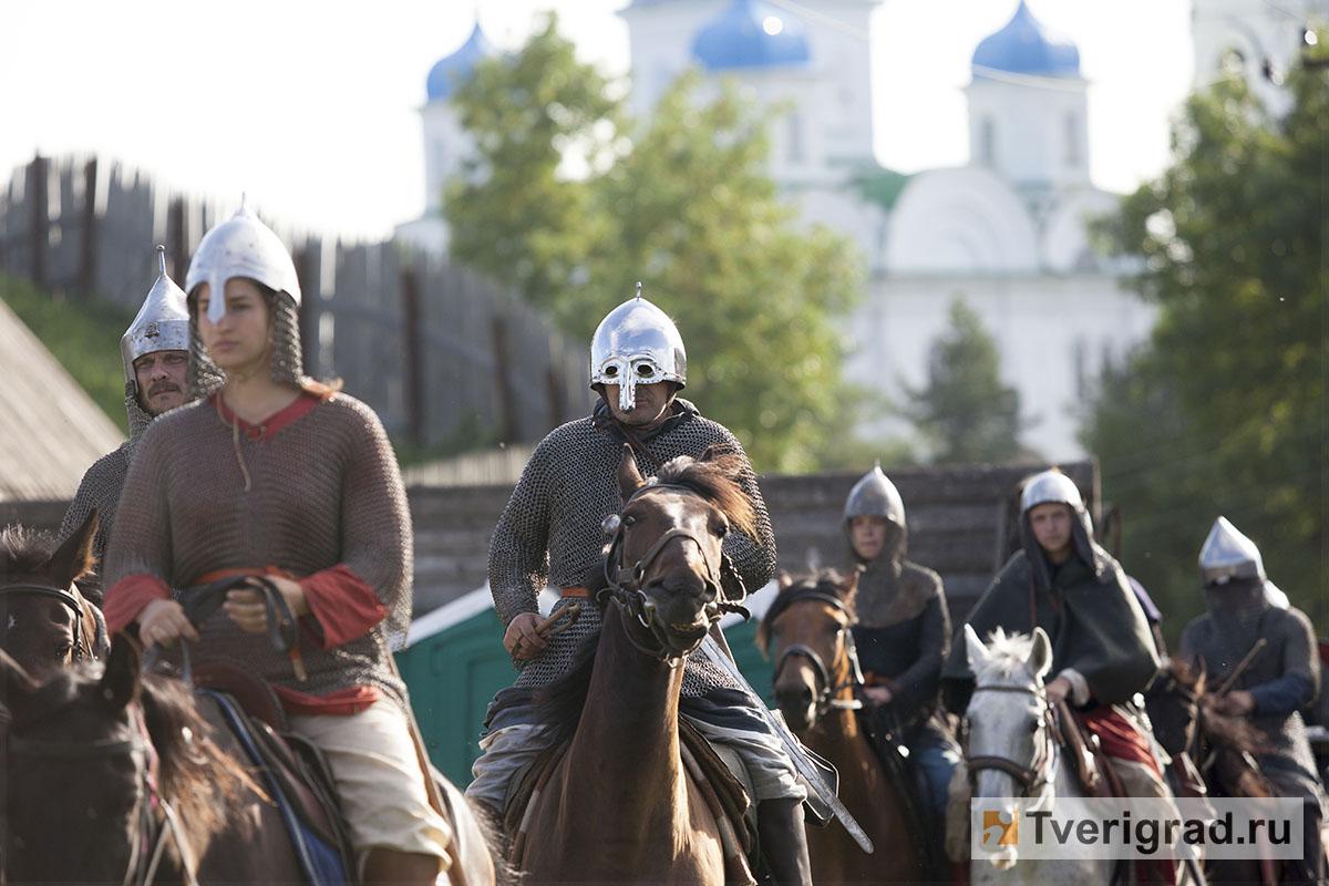 реконструкция конного похода Александра Невского в Торжке (13)