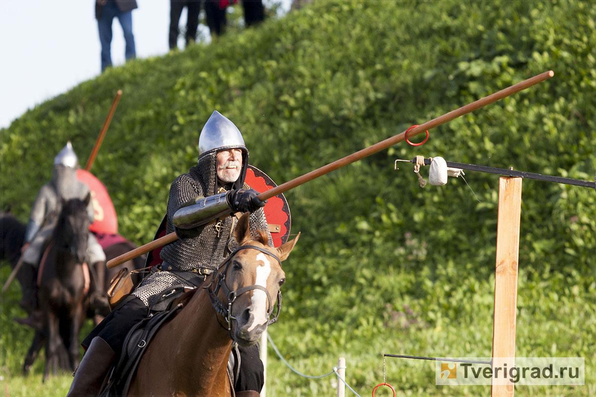 реконструкция конного похода Александра Невского в Торжке (21)