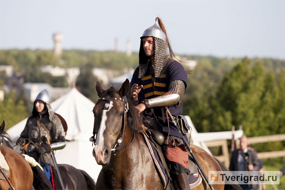 реконструкция конного похода Александра Невского в Торжке (25)