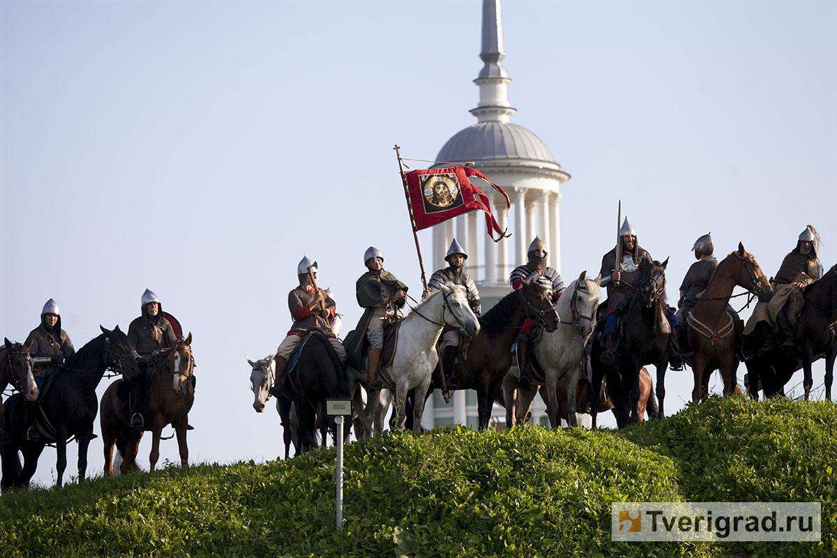 реконструкция конного похода Александра Невского в Торжке (33)