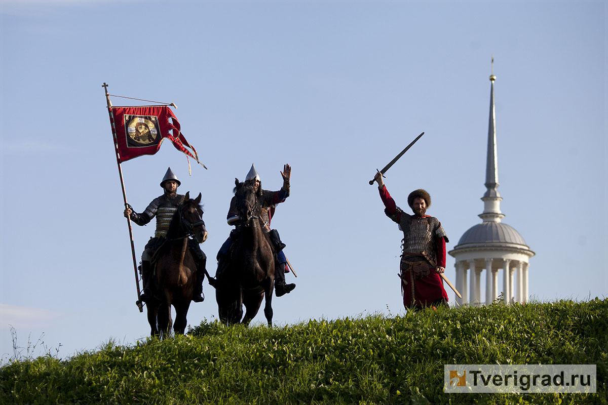 реконструкция конного похода Александра Невского в Торжке (34)